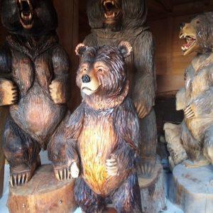 Скулптури от дърво